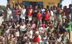 Les enfants pris en charge par l'association Vivre dans l'Espérance. (Photo D. R.)