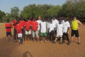 Les garçons en mode footballeurs. (Photo D. R.)