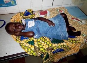 La petite fille abandonnée, âgée de dix-huit mois environ, a retrouvé une maman d'adoption. (Photo D.R.)