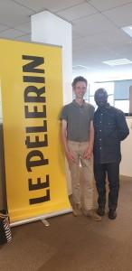 Christophe Chaland de la rédaction de Pèlerin avec Marcel Mendouna.